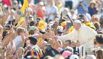 Papa apoya una regulación financiera en el Vaticano