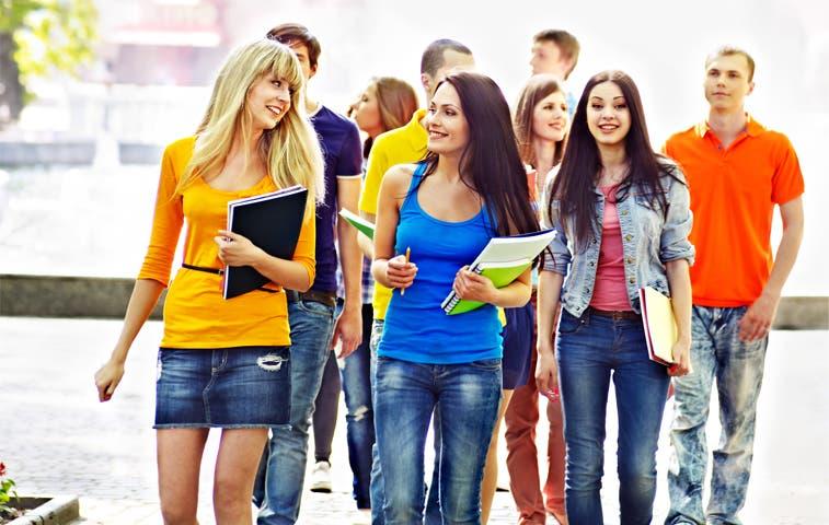 Universitarios con nueva opción de financiamiento