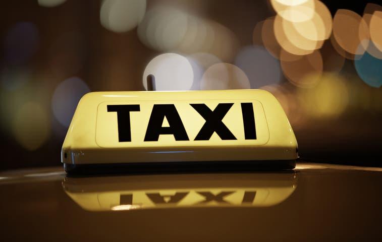 Se acercan nuevas alzas en las tarifas de taxi