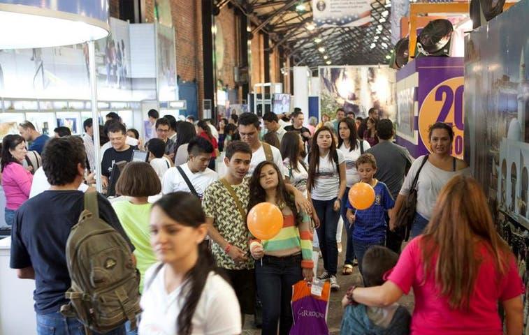 Visita a XV Feria Internacional del Libro superó registro de 2013