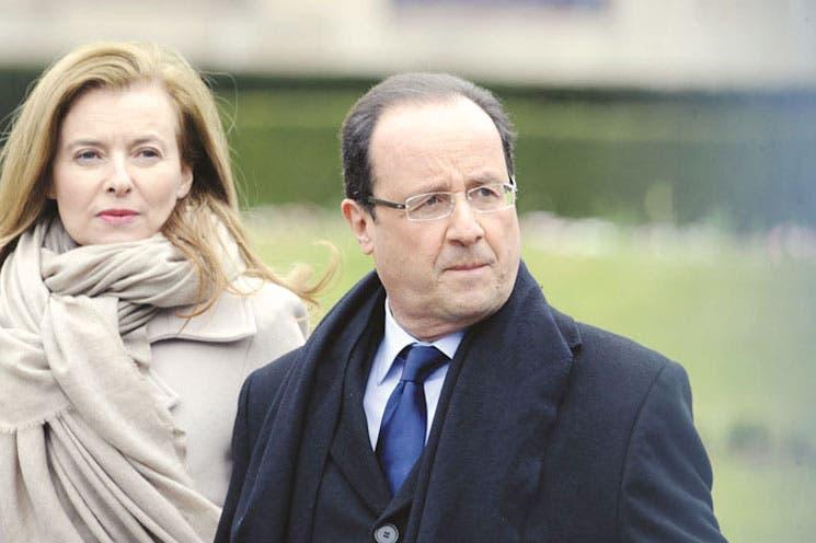 Hollande se defiende de las críticas de  su expareja