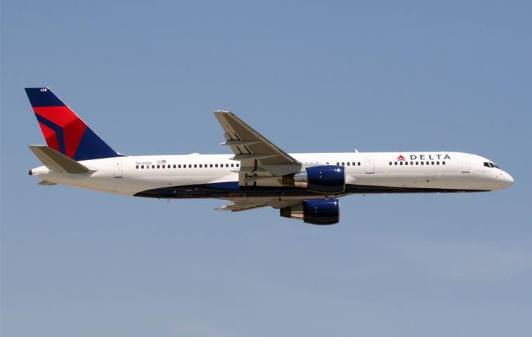 Delta amplía vuelos directos por temporada navideña