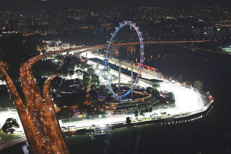 Singapur bajo la luna