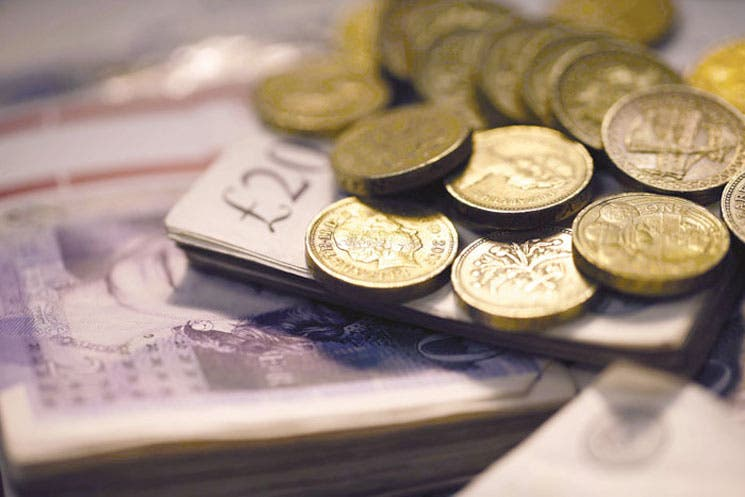 Negociación de la libra desplaza la atención del voto escocés a la economía