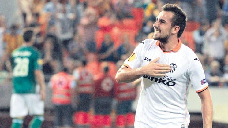 Valencia, líder arrollador