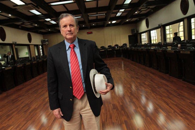 Ottón no pudo remover a Morales de discusión presupuestaria