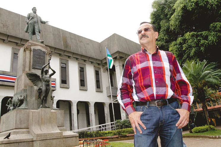 Hay una cruzada contra el empleo público: Albino Vargas