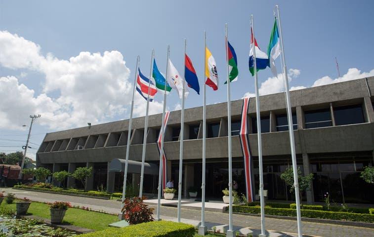 Banderas de las siete provincias estarán izadas en Presidencia