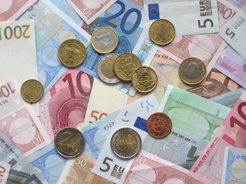 Euro en mínimo de dos años