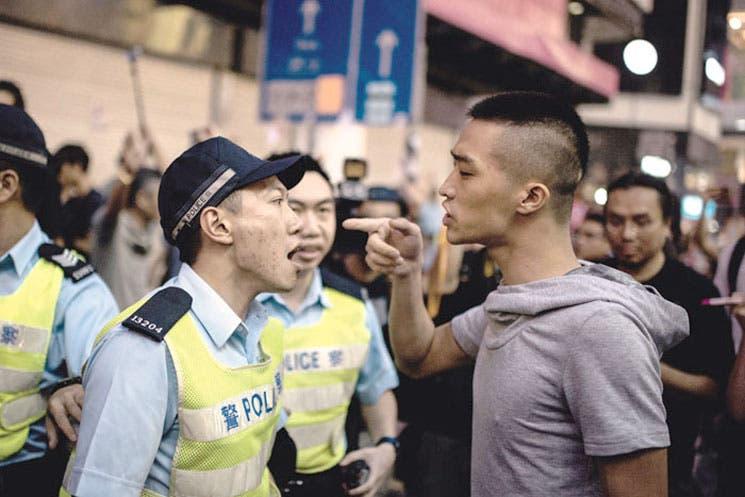 Estudiantes suspenden diálogo con el Gobierno de Hong Kong