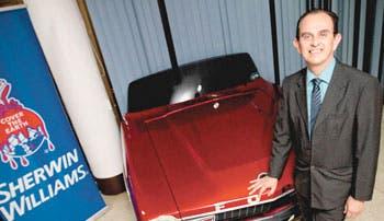 Sherwin-Williams apuesta por pintura automotriz