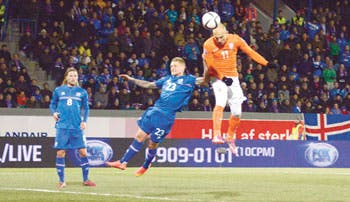 Islandia sonroja a Holanda