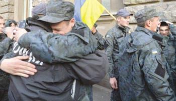 Ucrania retira tropas rusas de la frontera