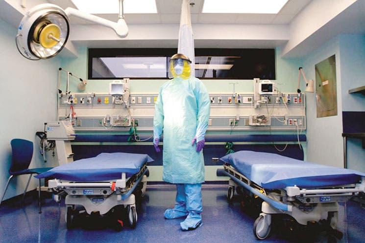 """""""La probabilidad de que el ébola entre es baja, pero existe"""""""