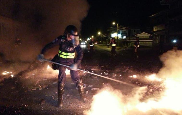 Ocho detenidos por disturbios en Limón