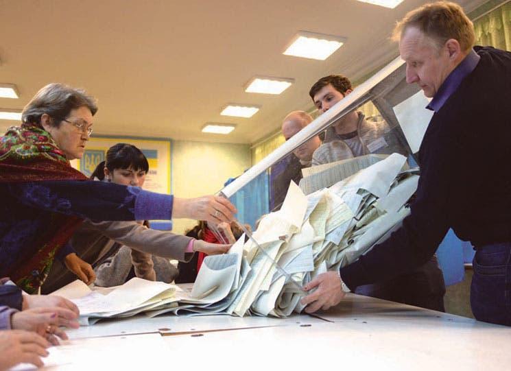 Ucrania elige Parlamento prooccidental por primera vez