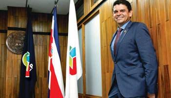 """Ronald Jiménez: """"No hay mejor ministro de Hacienda que una buena cosecha"""""""