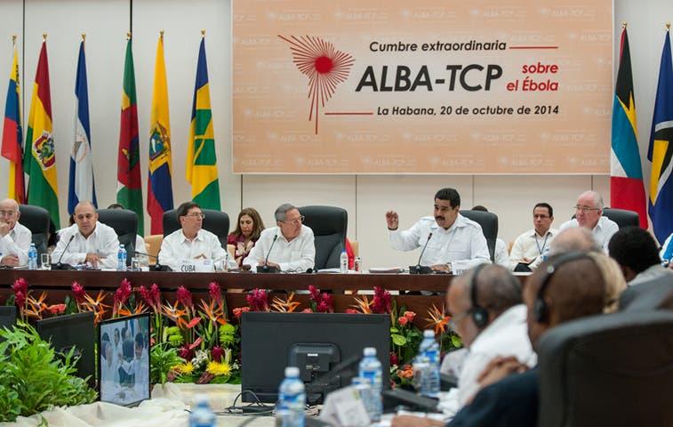 Representantes de EE.UU. asisten a Cuba para analizar el ébola
