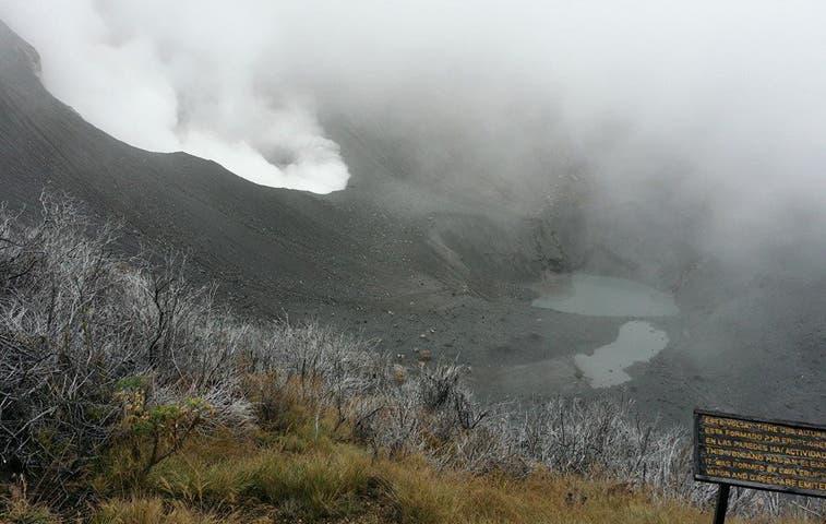 Comportamiento de actividad en volcán Turrialba es incierta