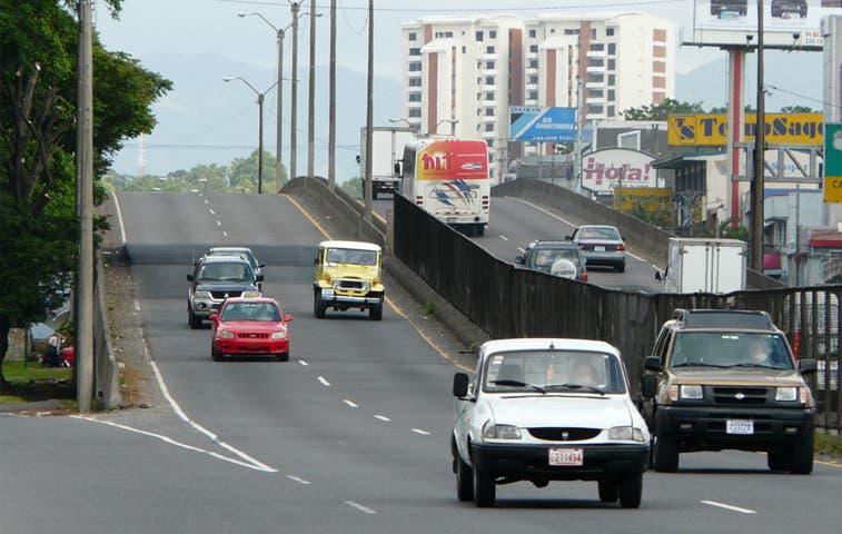 Conavi limpiará drenajes del Puente Juan Pablo II