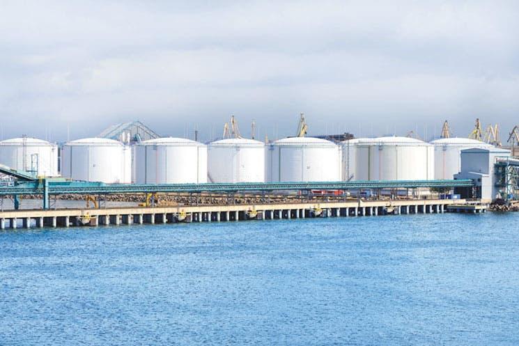 Puerto flotante de gas bajaría costo energético