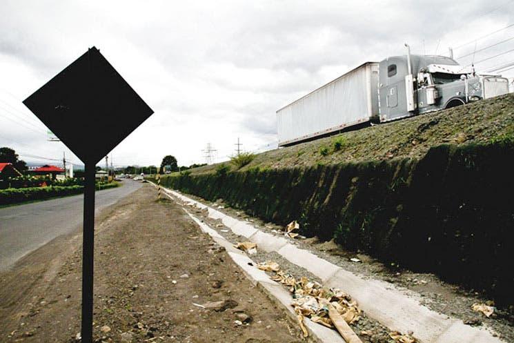 Diputados exigen vías aledañas en ruta a San Ramón
