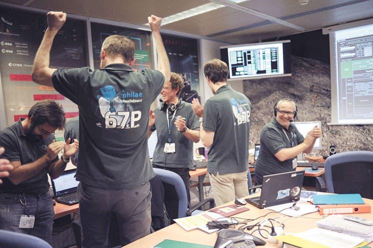 Módulo Philae aterriza sobre la superficie de cometa