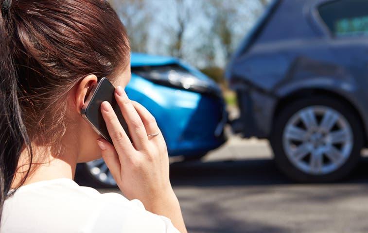 Si chocó y no mueve el auto podrían multarlo con ¢280 mil