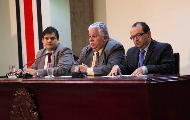 Ejecutivo convocará proyectos a discusión extraordinaria la próxima semana