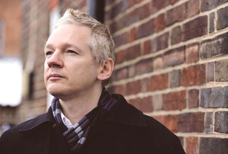 Vida de Assange en la embajada de Ecuador inspira una serie