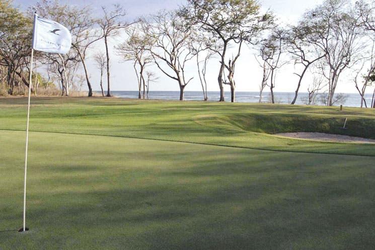 Golf y negocios en Pinilla