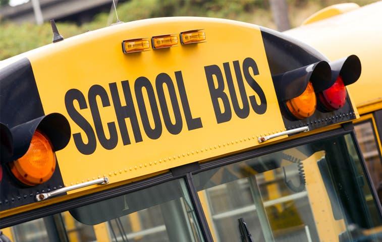 Transportistas ya pueden tramitar sus permisos para trasladar a estudiantes