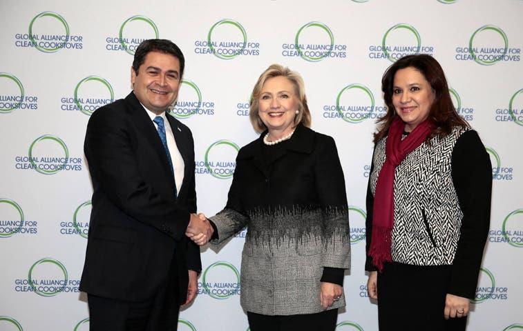 Presidente de Honduras se reúne con Hillary Clinton