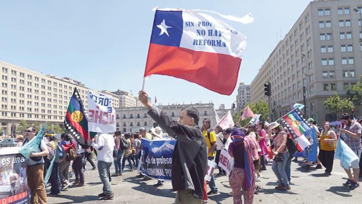 Profesores protestan en Chile pese a acuerdo del gremio con el Gobierno