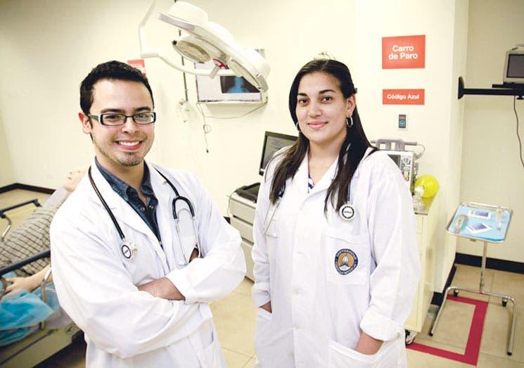 Más médicos podrían optar por una especialidad