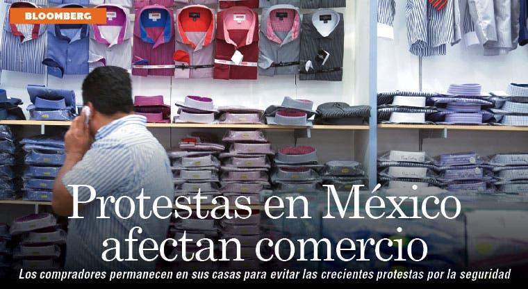 Compradores intimidados por protestas en México afectan a Walmex
