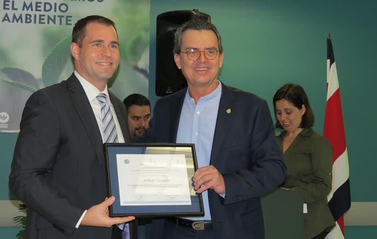 Abbott recibe reconocimiento en producción más limpia