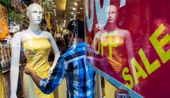 Confianza de consumidores y empresarios cae en cierre de año