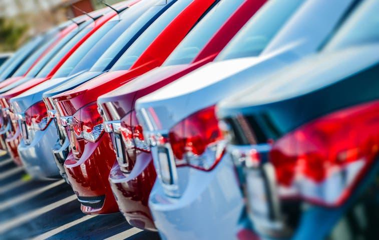 Hacienda recibirá a importadores de autos usados mañana