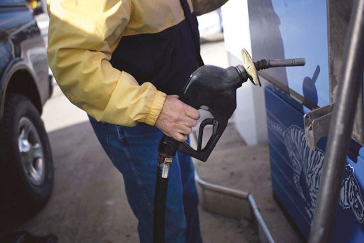 Petróleo ingresa en nueva era con guerra de precios entre OPEP y Estados Unidos