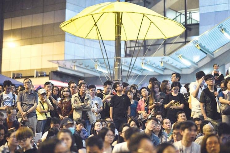 Protestas en Hong Kong se intensifican con decenas de detenidos