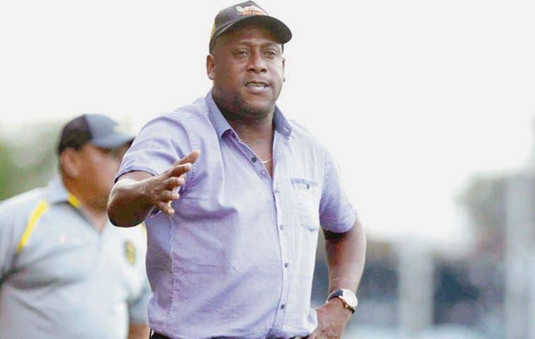 Hernán Medford deja de ser entrenador de Honduras