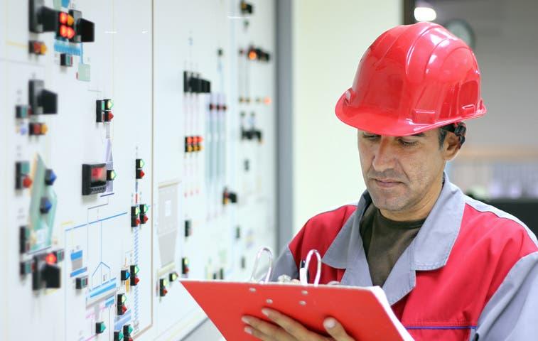 Empresarios piden rebaja de 8% en tarifas eléctricas