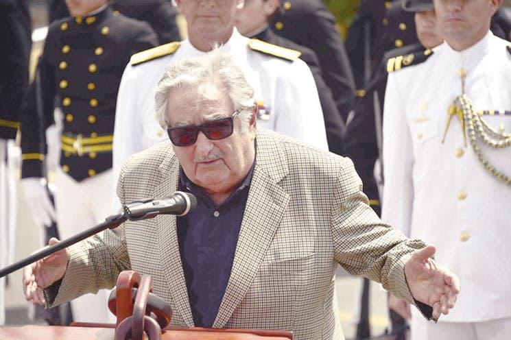 Mujica acogerá presos de Guantánamo