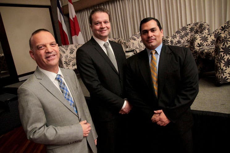 Hacienda valora experiencia canadiense en alianzas público privadas