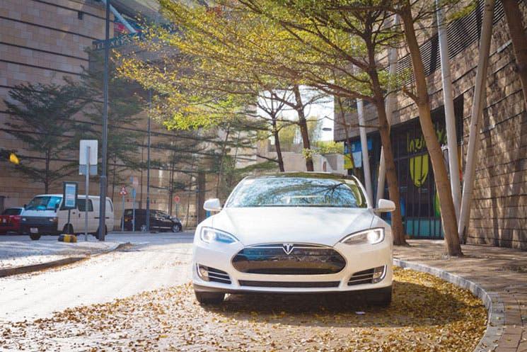 Multimillonario chino construiría coches eléctricos