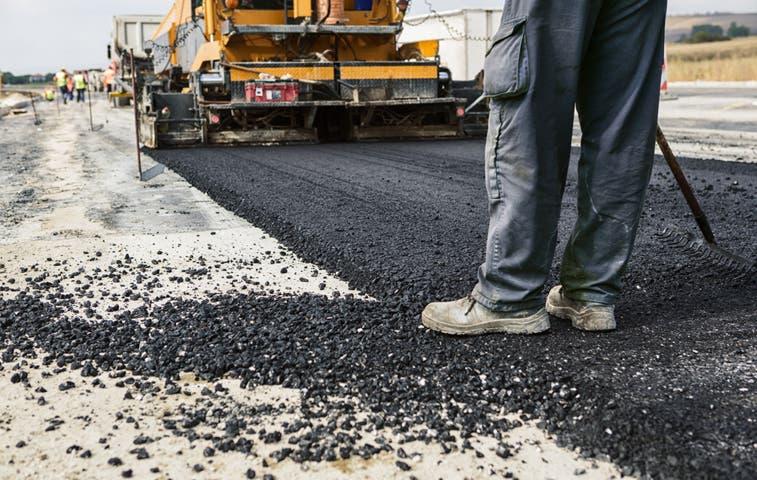 Activan trabajos de asfaltado en Veintisiete de Abril y Villareal