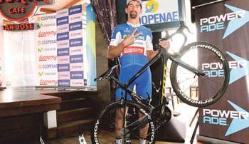 Vuelta quiere campeón local