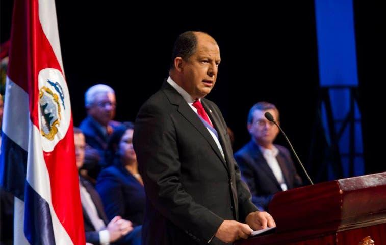 Decisión de Solís será refutada por diputados ante la Sala Constitucional
