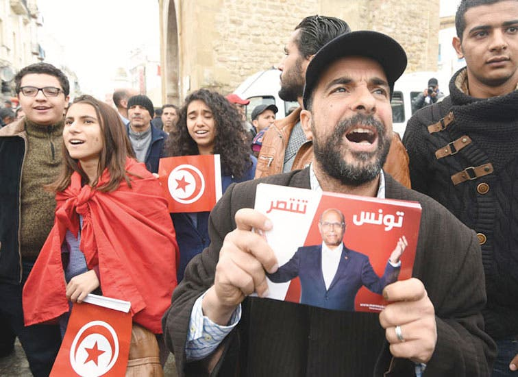 Túnez completó transición política pese al terrorismo y crisis